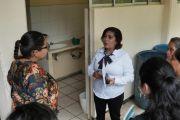CONSCIENTE DE LAS NECESIDADES EDUCATIVAS, LUPITA VARGAS APOYA A BACHILLERATO DE AHUAXINTITLA